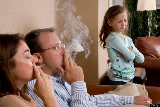 bố hút thuốc lá con có nguy cơ mắc hen suyễn cao gấp 3 lần