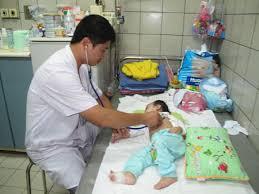 trẻ em TP HCM bị hen suyễn