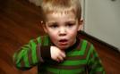 Làm gì khi trẻ bị ho, sổ mũi
